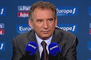 Bayrou-europe1-110710